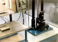 プラスチックフィルムすべり試験機