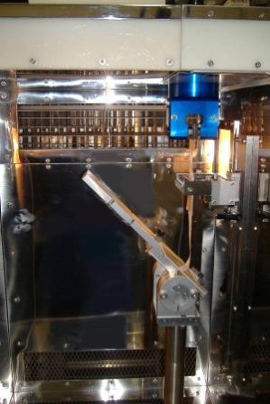 電気・機械式高速引張試験機