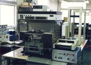 硬化収縮測定試験機